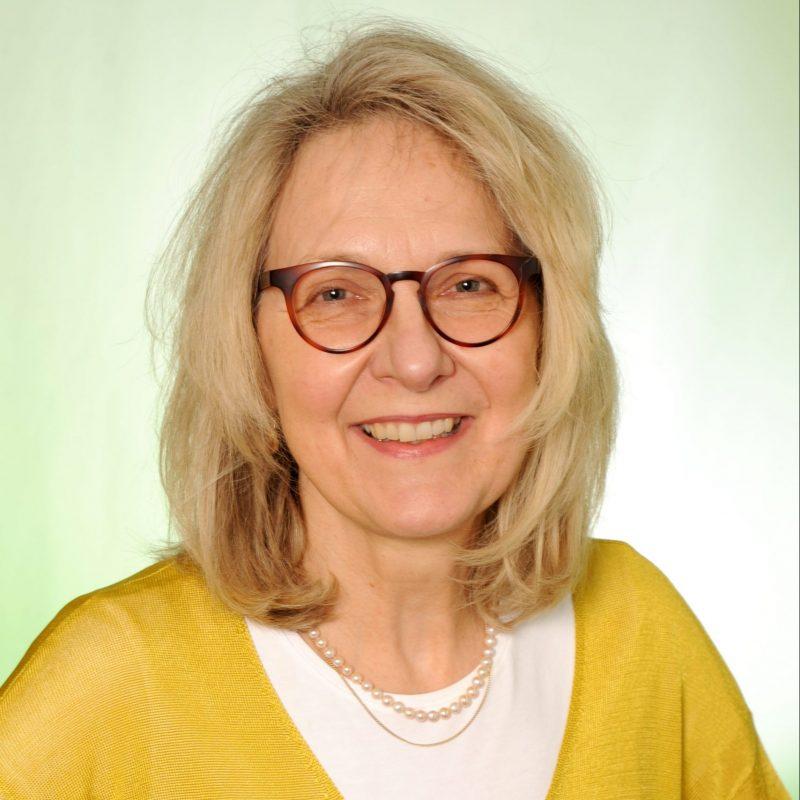 Dr. Beate Fischer-Wackes
